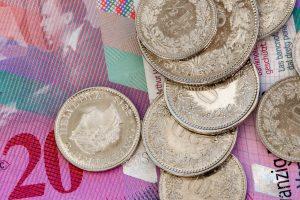 Gastgewerbe Schweiz: Mindestlöhne bleiben für 2020 und 2021 unverändert …