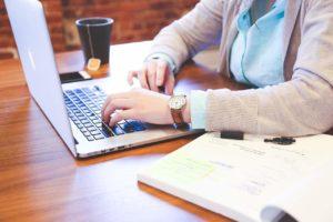 Online-Bewertungsportale: Bundeskartellamt identifiziert Probleme bei Nutzerbewertungen